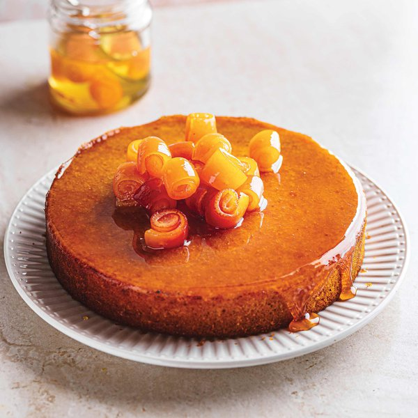 Clemengold cake with orange blossom syrup