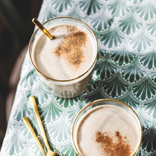 Creamy date and coffee smoothie