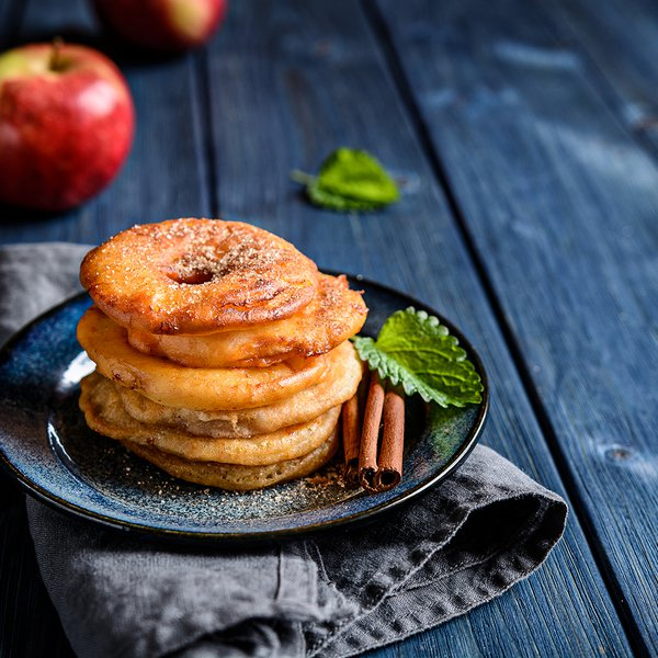 Delicious fried apple rings