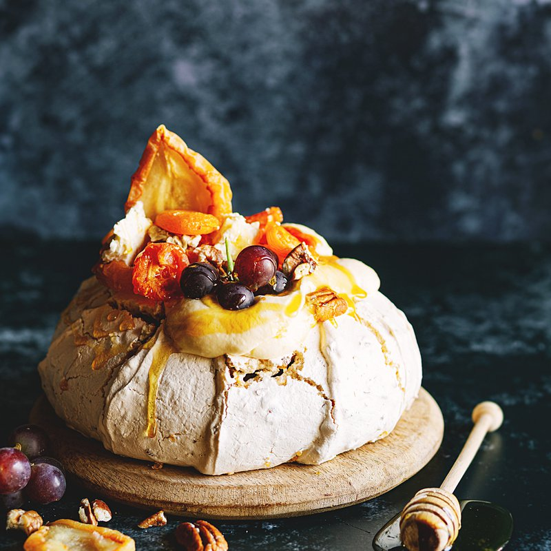 Pavlova with Saint-Marcellin cheese and dried fruit