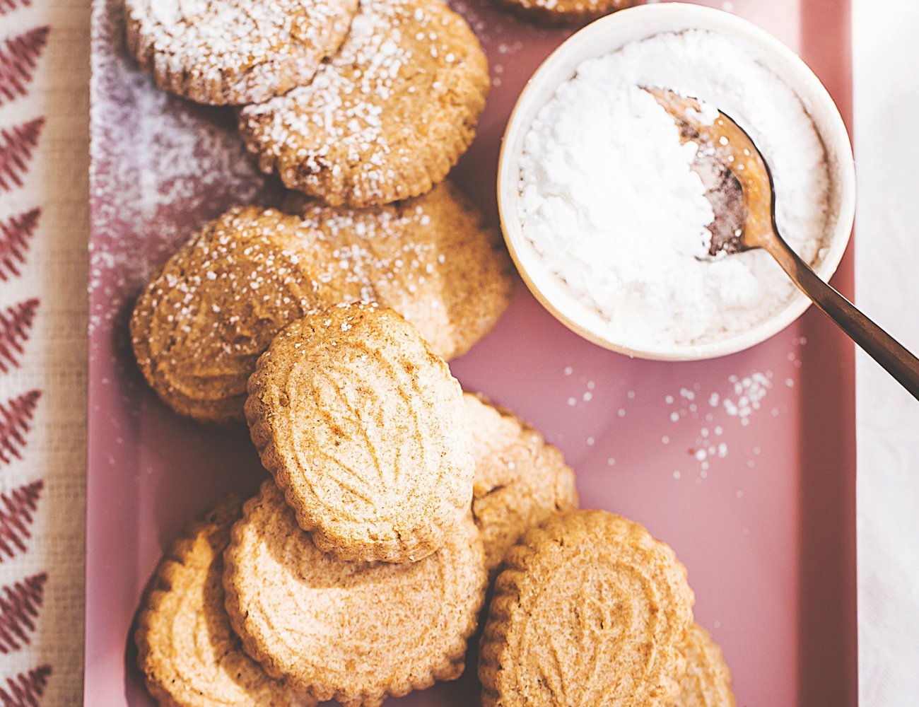 Mamoul cookies with rosewater