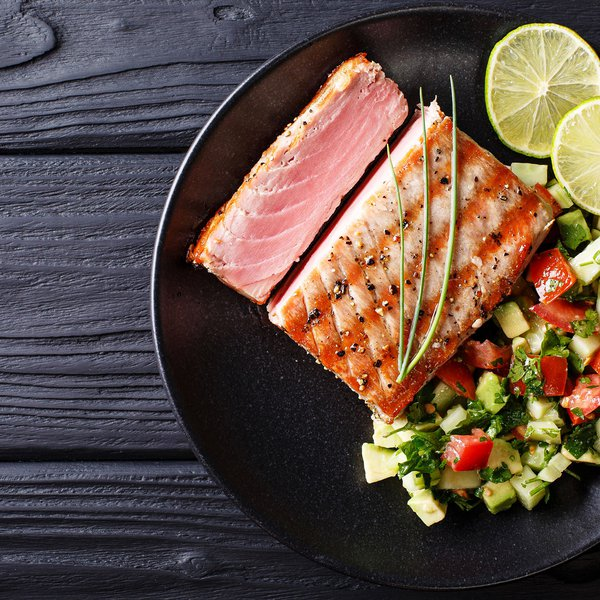 Seared sesame tuna with crunchy green vegetable